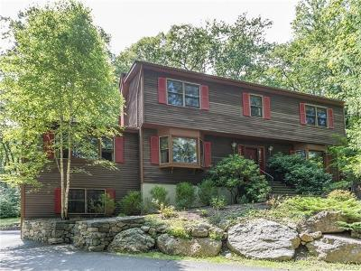 Connecticut Single Family Home For Sale: 5 Alexandra Drive
