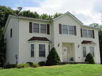 Middletown Single Family Home For Sale: 5 Christopher Court