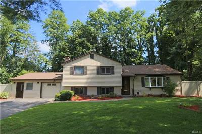 Yorktown Heights Single Family Home For Sale: 2548 Pine Grove Court