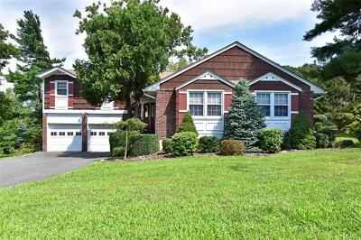 Tarrytown Single Family Home For Sale: 33 Tarryhill Road