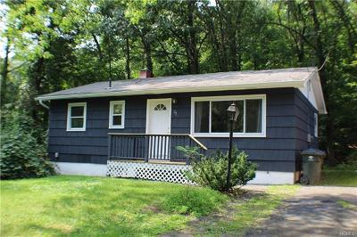 Greenwood Lake Single Family Home For Sale: 28 Village Drive