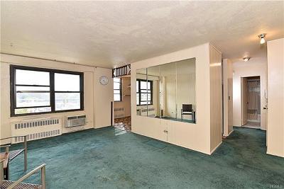 Co-Operative For Sale: 920 Metcalf Avenue #7M
