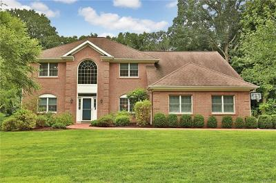 Tarrytown Single Family Home For Sale: 61 Round A Bend Road