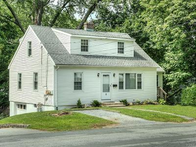 Warwick Single Family Home For Sale: 8 Hawthorn Avenue