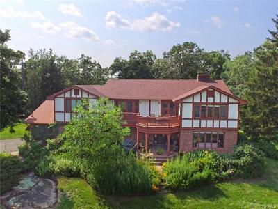 Tuxedo Park Single Family Home For Sale: 66 Summit Road