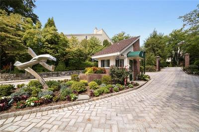 Eastchester Single Family Home For Sale: 66 Waterside Close
