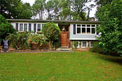Croton-On-Hudson Single Family Home For Sale: 67 Watch Hill Road