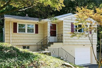 White Plains Single Family Home For Sale: 108 Woodcrest Avenue