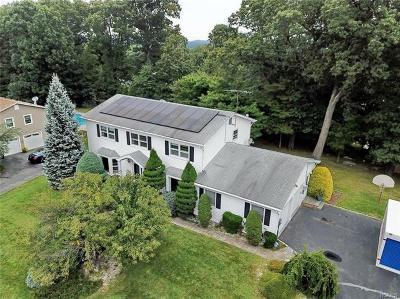 Single Family Home For Sale: 6 Rockridge Drive