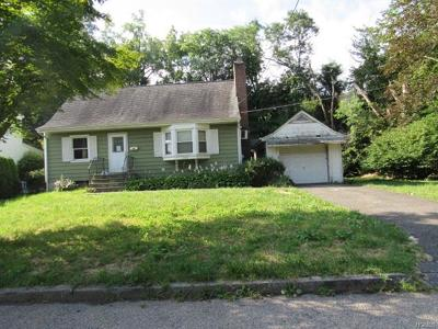 White Plains Single Family Home For Sale: 127 Randolph Road