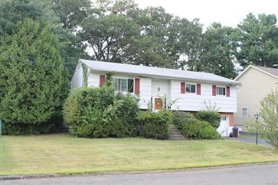 Rockland County Single Family Home For Sale: 19 Fonda Drive