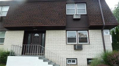 Valley Cottage Condo/Townhouse For Sale: 11 Oxford Drive #24