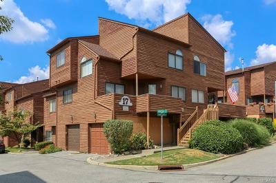 Nanuet Condo/Townhouse For Sale: 4 Aspen Court