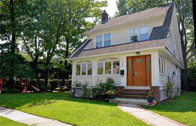 Pelham Single Family Home For Sale: 1095 Grant Avenue