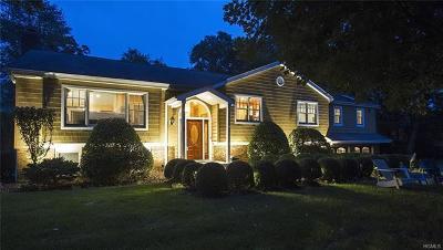 White Plains Single Family Home For Sale: 15 North Lake Circle