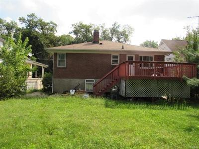 Yonkers Single Family Home For Sale: 1307 Nepperhan Avenue