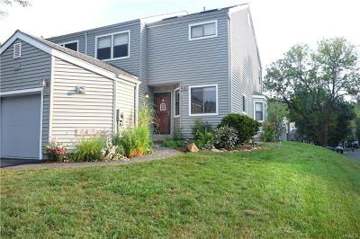 Ossining Condo/Townhouse For Sale: 31 Saddle Trail #1