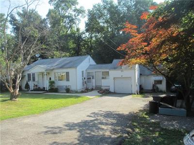 Single Family Home For Sale: 28 Eckerson Lane