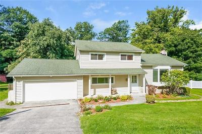Croton-On-Hudson Single Family Home For Sale: 5 Milano Court