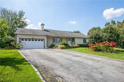 Pelham Single Family Home For Sale: 811 Wolfs Lane