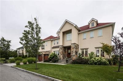 New Rochelle Single Family Home For Sale: 8 Brittany Lane