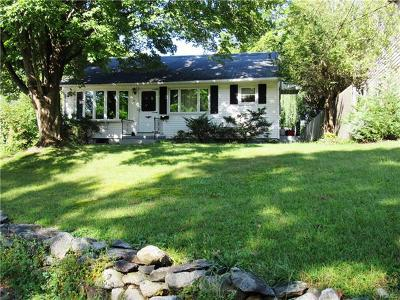 Croton-On-Hudson Single Family Home For Sale: 17 Michaels Lane