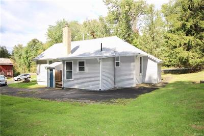 New Windsor Single Family Home For Sale: 450 Orrs Mills Road