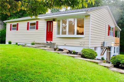 Monroe Single Family Home For Sale: 53 Maple Lane