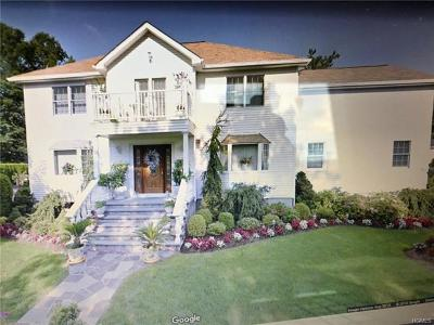 New Rochelle Single Family Home For Sale: 90 Donald Drive