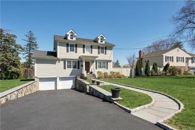 Hawthorne Single Family Home For Sale: 164 Pythian Avenue