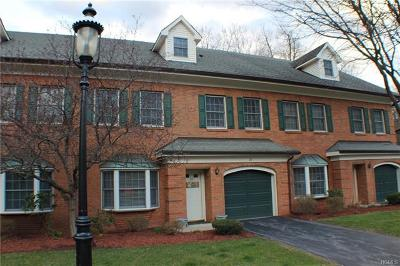 Newburgh Condo/Townhouse For Sale: 27 Westbrook Road
