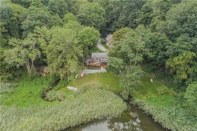 Westchester County Single Family Home For Sale: 77 Old Albany Post Road