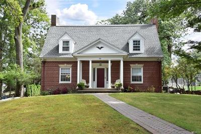 Yonkers Single Family Home For Sale: 80 Bobolink Road