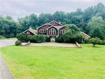Mount Kisco Single Family Home For Sale: 4 Lounsbery Road
