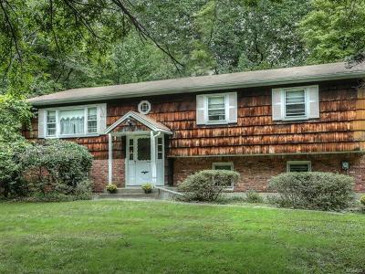 Suffern Single Family Home For Sale: 2 Sherwood Ridge Road