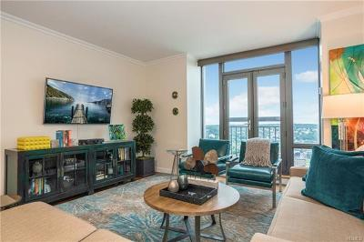White Plains Condo/Townhouse For Sale: 10 City Place #27F