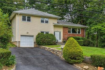 Scarsdale Single Family Home For Sale: 240 Daisy Farms Drive