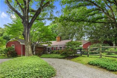 Westchester County Single Family Home For Sale: 229 Bedford Banksville Road