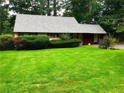 Rye Brook Single Family Home For Sale: 2 Jennifer Lane