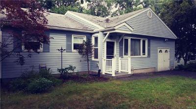 New Windsor Single Family Home For Sale: 1 Rocky Lane