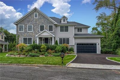New Rochelle Single Family Home For Sale: 1 Pinebrook Hollow Drive