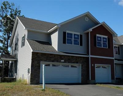 New Windsor Single Family Home For Sale: 608 Iron Forge Lane
