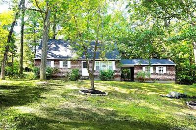 Tuxedo Park Single Family Home For Sale: 34 Spice Bush Lane