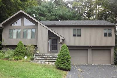 Westchester County Single Family Home For Sale: 231 Briarwood Drive