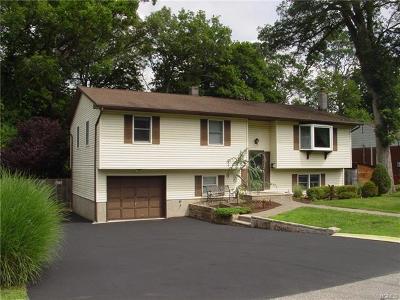 Highland Single Family Home For Sale: 49 Laurel Lane