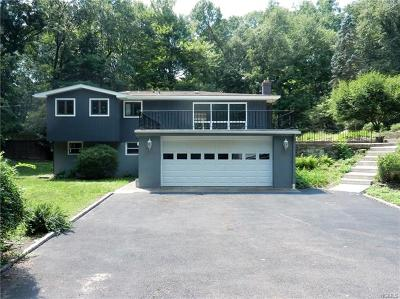 Westchester County Single Family Home For Sale: 16 Boulder Drive