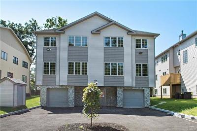 Rockland County Condo/Townhouse For Sale: 24 Merrick Drive #102