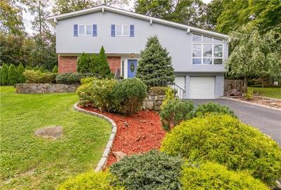 White Plains Single Family Home For Sale: 67 Stonewall Circle