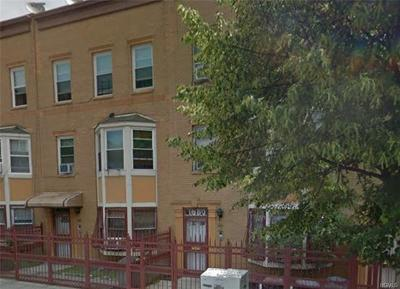 Bronx County Multi Family 2-4 For Sale: 1680 Monroe Avenue #9