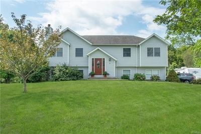 Pine Island Single Family Home For Sale: 7 Kosuga Lane